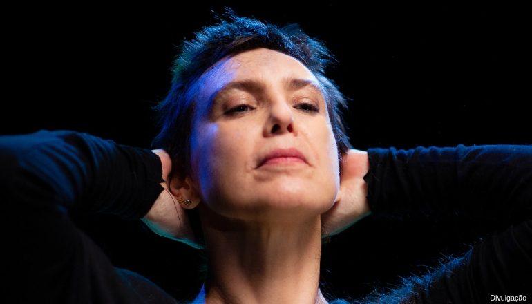 """ADRIANA CALCANHOTO   """"Margem"""" é trilha da transformação da artista"""