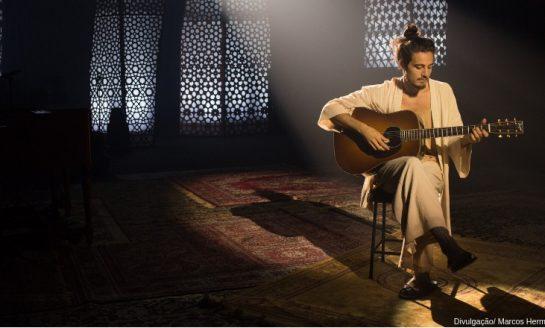 """TIAGO IORC   Cantor apresenta álbum """"Reconstrução"""" no Acústico MTV"""